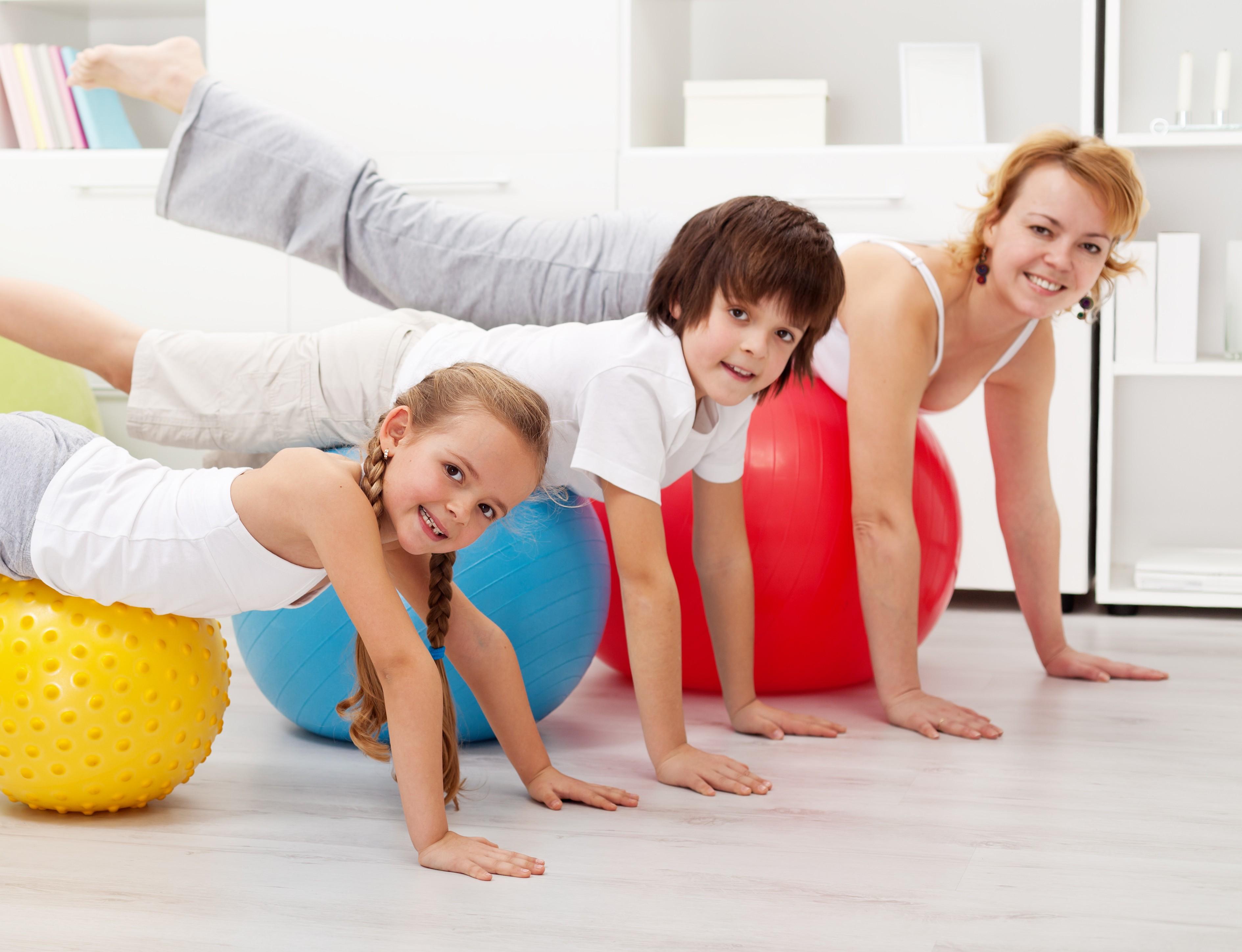 годы, спортивные картинки взрослых с детьми семейных номерах